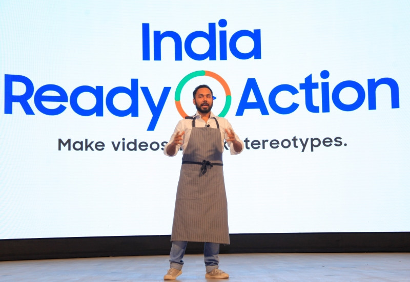 Chef Saransh Goila addressing the participants at Samsung Opera House